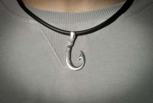 Collana amo da Pesca Argento indossata